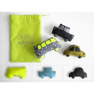 Petites voitures et sac